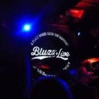 Arena Bluzz en vivo