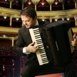 Mirco Patarini en concierto