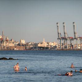 El puerto y la ciudad. La construcción de un diálogo visual